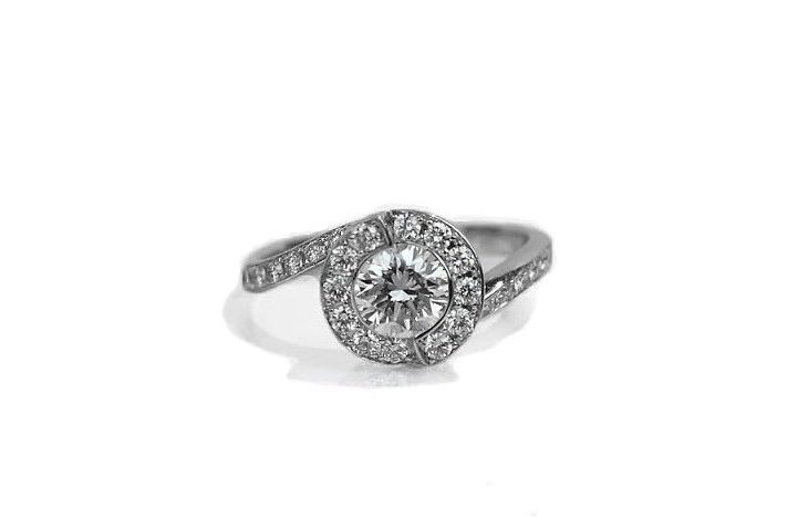 Spiral Round Diamond Ring